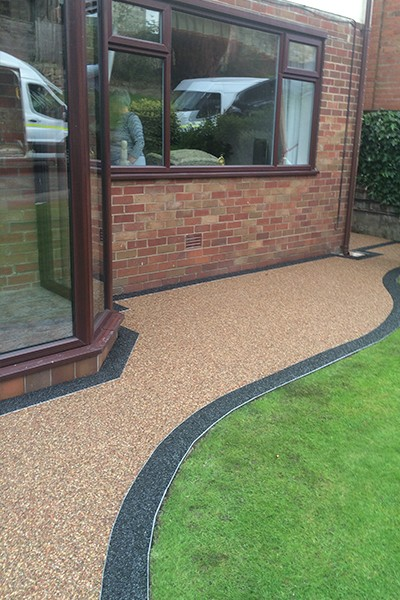 RESIN DRIVEWAYS | TARMAC DRIVEWAYS | DRIVEWAY RESURFACING | POT HOLE REPAIRS 11