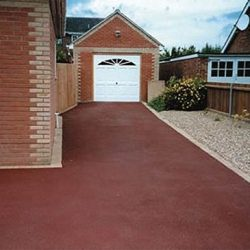 RESIN DRIVEWAYS | TARMAC DRIVEWAYS | DRIVEWAY RESURFACING | POT HOLE REPAIRS 1450416RB1-1-250x250