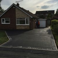 RESIN DRIVEWAYS | TARMAC DRIVEWAYS | DRIVEWAY RESURFACING | POT HOLE REPAIRS IMG_1297-200x200