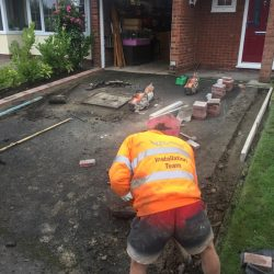 RESIN DRIVEWAYS | TARMAC DRIVEWAYS | DRIVEWAY RESURFACING | POT HOLE REPAIRS image1-250x250