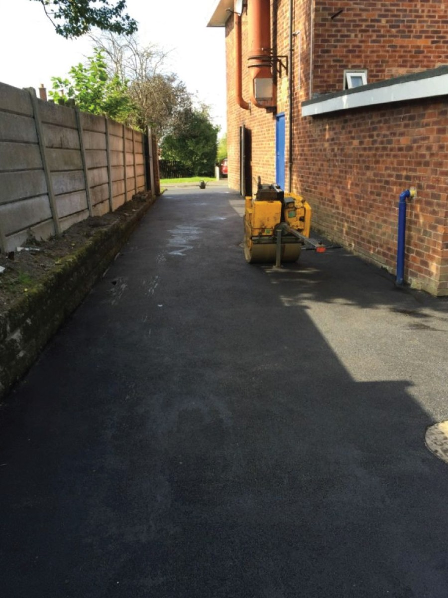 RESIN DRIVEWAYS | TARMAC DRIVEWAYS | DRIVEWAY RESURFACING | POT HOLE REPAIRS jpba2