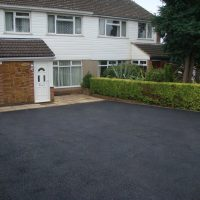 RESIN DRIVEWAYS | TARMAC DRIVEWAYS | DRIVEWAY RESURFACING | POT HOLE REPAIRS main-image-1-200x200