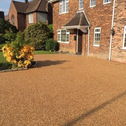 RESIN DRIVEWAYS | TARMAC DRIVEWAYS | DRIVEWAY RESURFACING | POT HOLE REPAIRS 13661957_632061053619279_4367698969589464458_o-250x250