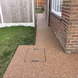 RESIN DRIVEWAYS | TARMAC DRIVEWAYS | DRIVEWAY RESURFACING | POT HOLE REPAIRS 52588069_1162276160597763_1186028512683753472_n-250x250