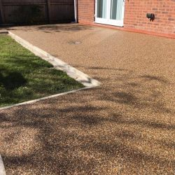 RESIN DRIVEWAYS | TARMAC DRIVEWAYS | DRIVEWAY RESURFACING | POT HOLE REPAIRS 58612991_1211465125678866_5937458447502016512_n-250x250