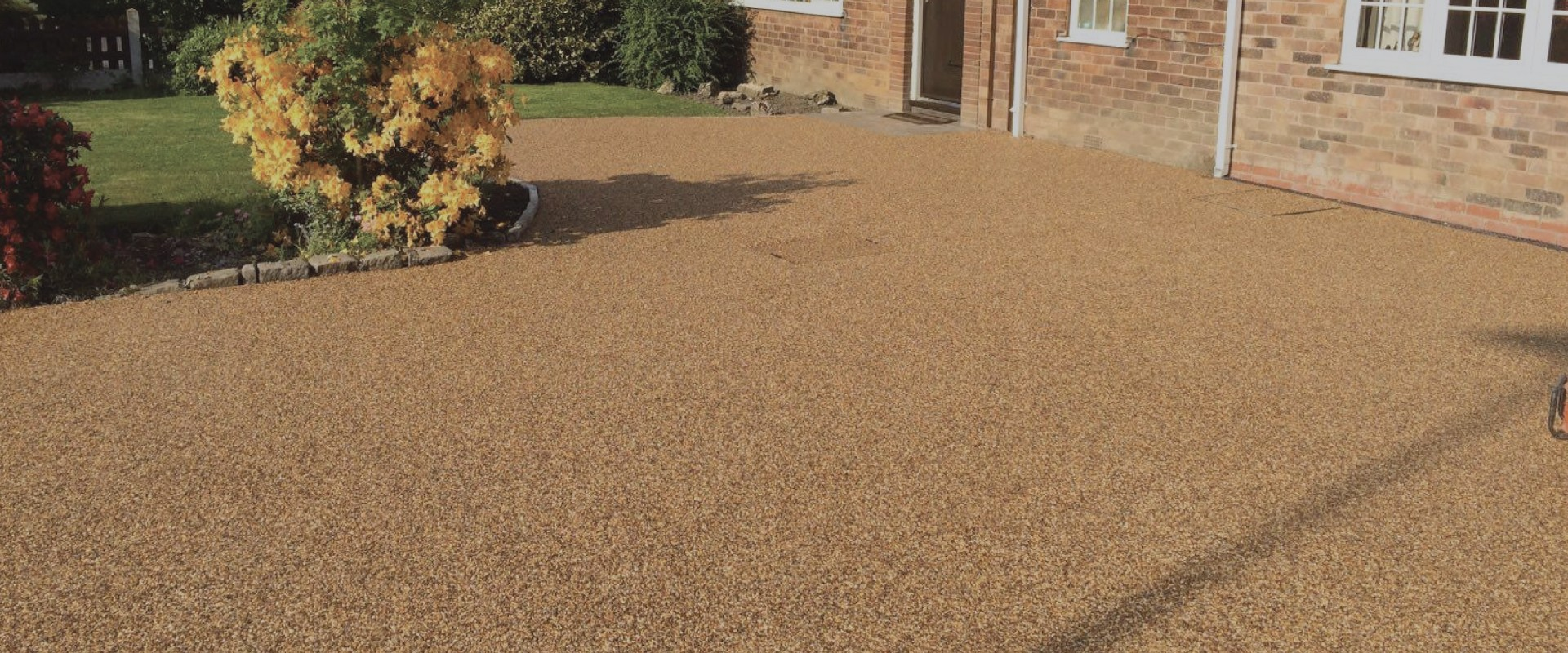 RESIN DRIVEWAYS | TARMAC DRIVEWAYS | DRIVEWAY RESURFACING | POT HOLE REPAIRS jpresinslide