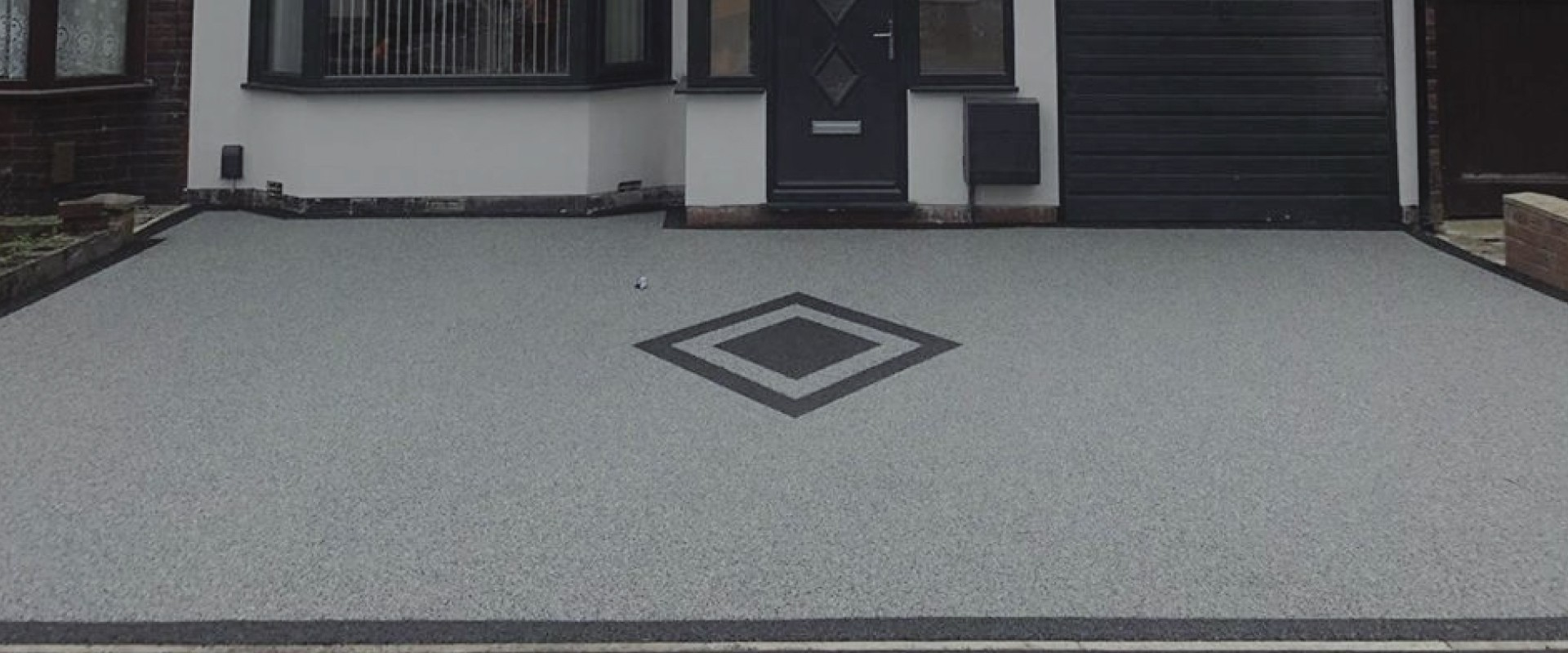 RESIN DRIVEWAYS | TARMAC DRIVEWAYS | DRIVEWAY RESURFACING | POT HOLE REPAIRS resindrive